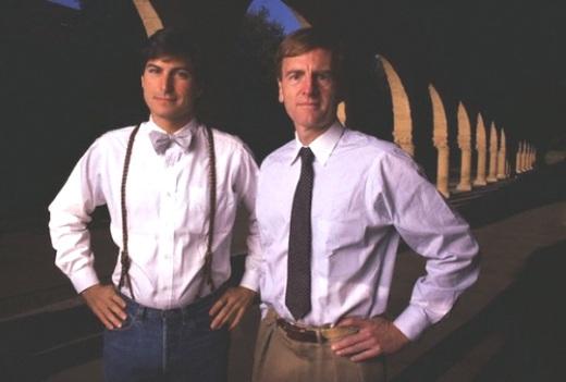 Стив Джобс и Джон Скалли, бывший генеральный директор Apple