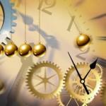 Деньги пропали - наживешь, время пропало - не вернешь народная поговорка Время - один из самых ценных инструментов в нашей жизни. Наша жизнь – это наше время и прожигание времени равно прожиганию жизни. Люди, которые добиваются в жизни многого – чаще всего те, кто управляет своим временем эффективно и разумно. Без управления временем и его планирования, мы часто тратим его впустую на бесполезные задачи и проекты, и бывает слишком поздно, когда мы это осознаем. Ниже несколько простых приемов, которые помогут вам планировать время и выполнять задачи наиболее эффективно: 1. Записывай свои задачи Рекомендуется завести блокнот или ежедневник, в который вы сможете записывать все планируемые на текущий день дела. Такой подход не только придаст ясность работе, которую нужно выполнить, но и поможет лучше организовать свое время. Если в какой-то день в вашем расписании имеются свободные «окна», вы сможете использовать их для завершения какой-то незаконченной работы. 2. Расположите задачи по их важности Устанавливайте для своих задач приоритет. Часто мы тратим время на выполнение несущественных вещей и пропускаем важные. В первую очередь работайте над более важными задачами. Даже если у вас не будет возможности закончить всю запланированную работу, то, по крайней мере, вы выполните то, что важно и срочно. 3. Назначьте каждому заданию конечный срок Без таких сроков задачи будут занимать у нас больше времени, чем когда такие сроки установлены. Конечные сроки конкретизируют цель и служат эмоциональным двигателем для того, чтобы завершить начатое. Все мы знаем то тревожное ощущение, возникающее при приближении установленного для выполнения задачи срока, даже если этот срок мы установили для себя сами. В этот момент мы становимся более быстрыми и сосредоточенными. Но не забывайте о том, что сроки выполнения должны быть реалистичными. Нереальные сроки после их невыполнения вызывают разочарование, и через некоторое время перестают что-либо значить для нас. 4. Группируйте задачи Чтобы